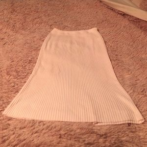 Dresses & Skirts - Impromptu pink skirt